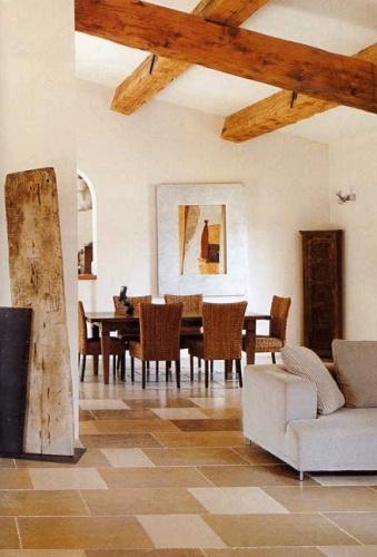 Maison contemporaine à Eygalières : Salle à manger