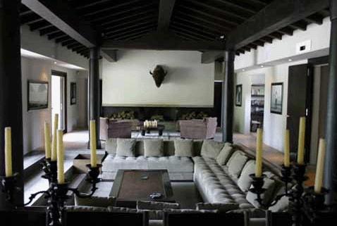 Maison contemporaine en Provence : Salon01